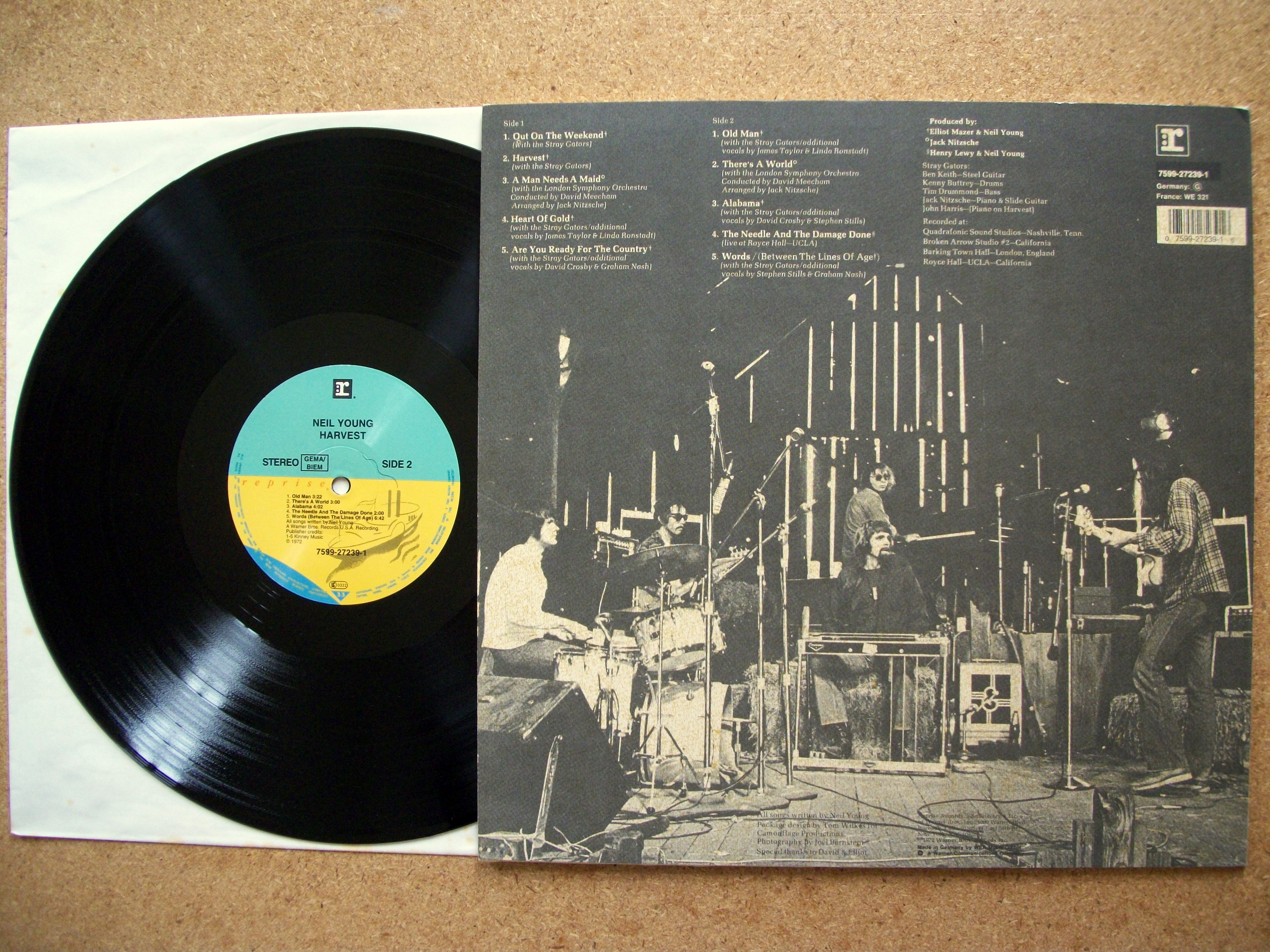 sinister vinyl collection neil young harvest 1972 sinister salad musikal 39 s weblog. Black Bedroom Furniture Sets. Home Design Ideas